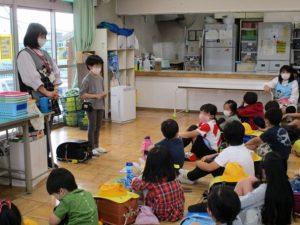 学童室 帰りの会の様子。